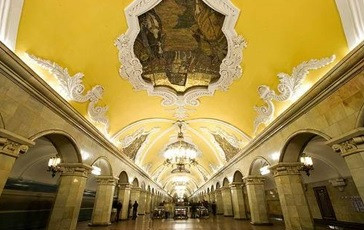 St. Petersburg Metro to Run Overnight in high season