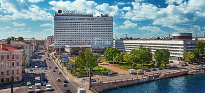 HOTEL AZIMUT ST. PETERSBURG SPLIT INTO TO HOTELS